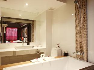 Rayaburi Hotel Patong Phuket - Deluxe (King size bed only)