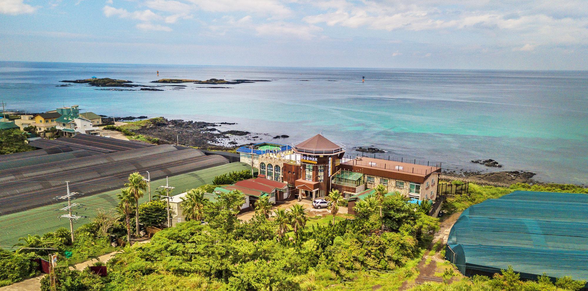 Castle Pool Resort