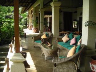 โรงแรมอาลัม ซารี เกลิกี บาหลี - บ้านพัก