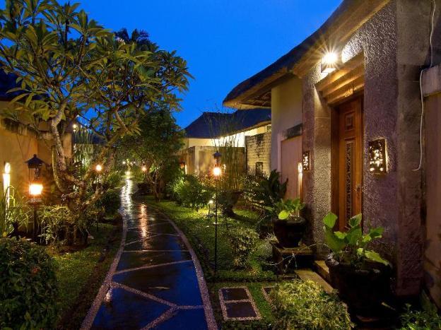 Desamuda Village Hotel