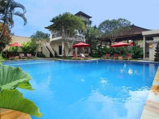普特里阿玉別墅飯店 峇里島 - 游泳池