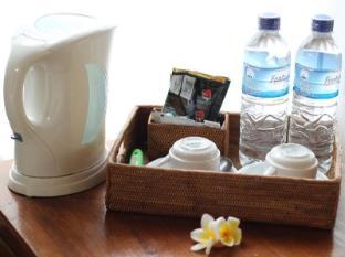 Putri Ayu Cottages Бали - Удобства