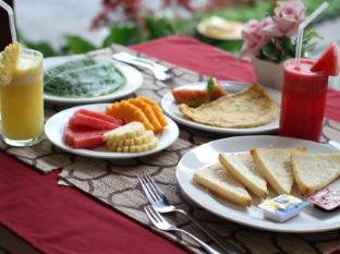 Putri Ayu Cottages Балі - Їжа та напої