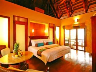 Eskaya Beach Resort and Spa Panglao Island - King Bed