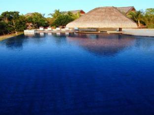 Eskaya Beach Resort and Spa Panglao Island - Swimming Pool