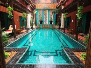 Imm Fusion Sukhumvit Hotel Bangkok - Swimming Pool