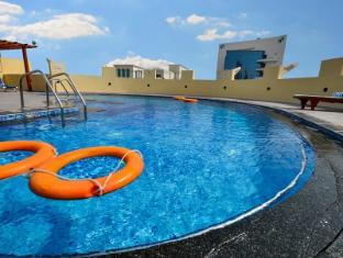 Grand Midwest Hotel Apartments Dubai - Swimming Pool