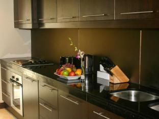 Flora Park Deluxe Hotel Apartments Dubai - Kitchen