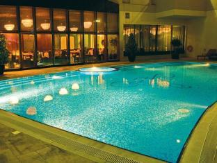 Flora Park Deluxe Hotel Apartments Dubai - Swimming Pool