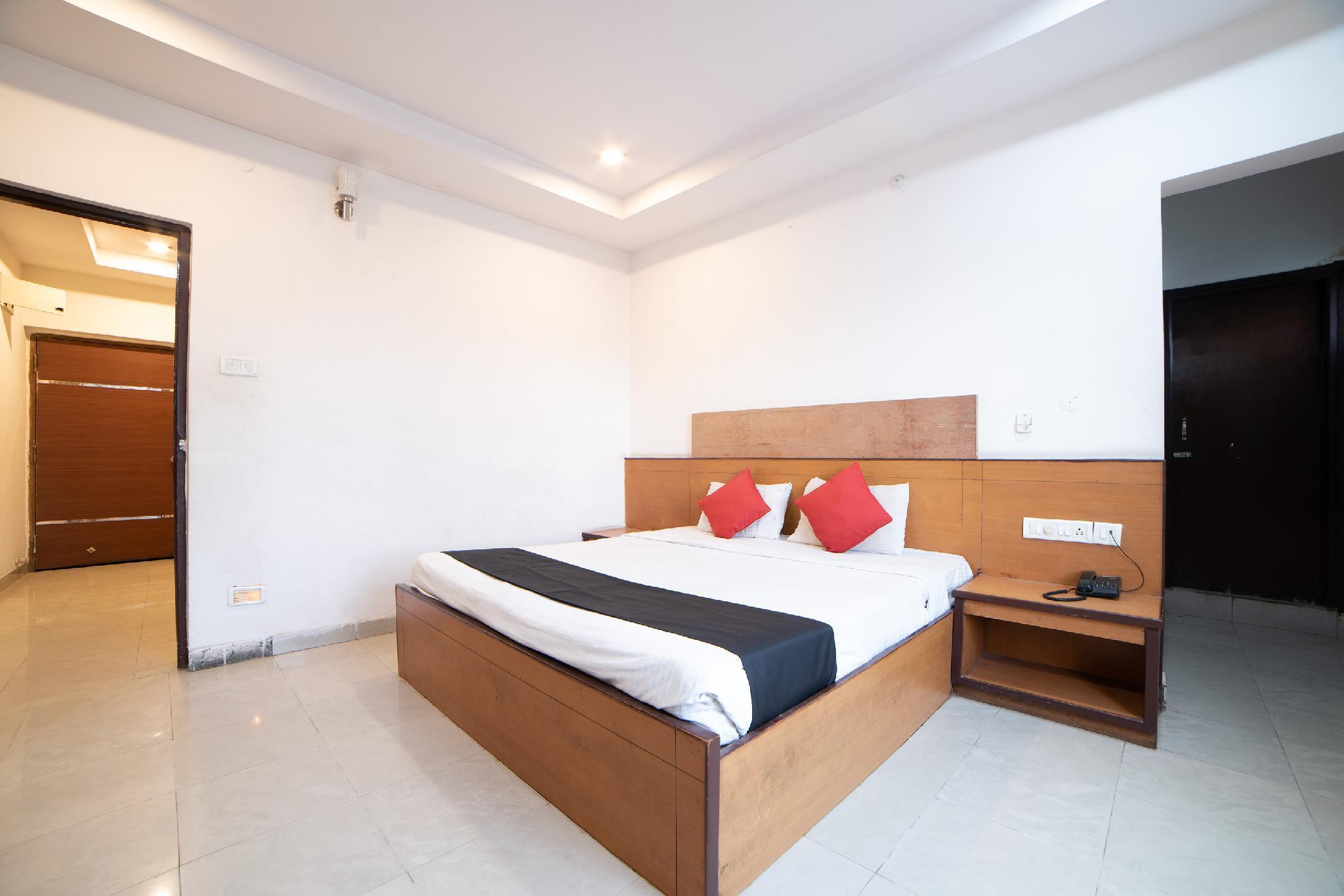 Capital O 45597 Hotel Riya Grand