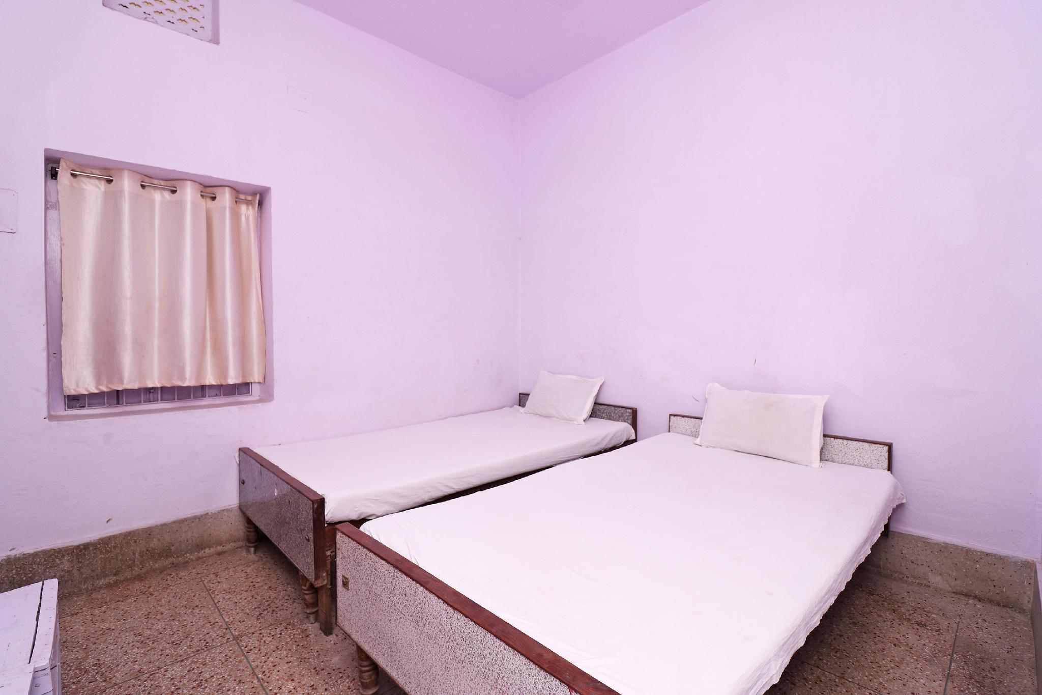 SPOT ON 44992 Hotel Swapnapuri