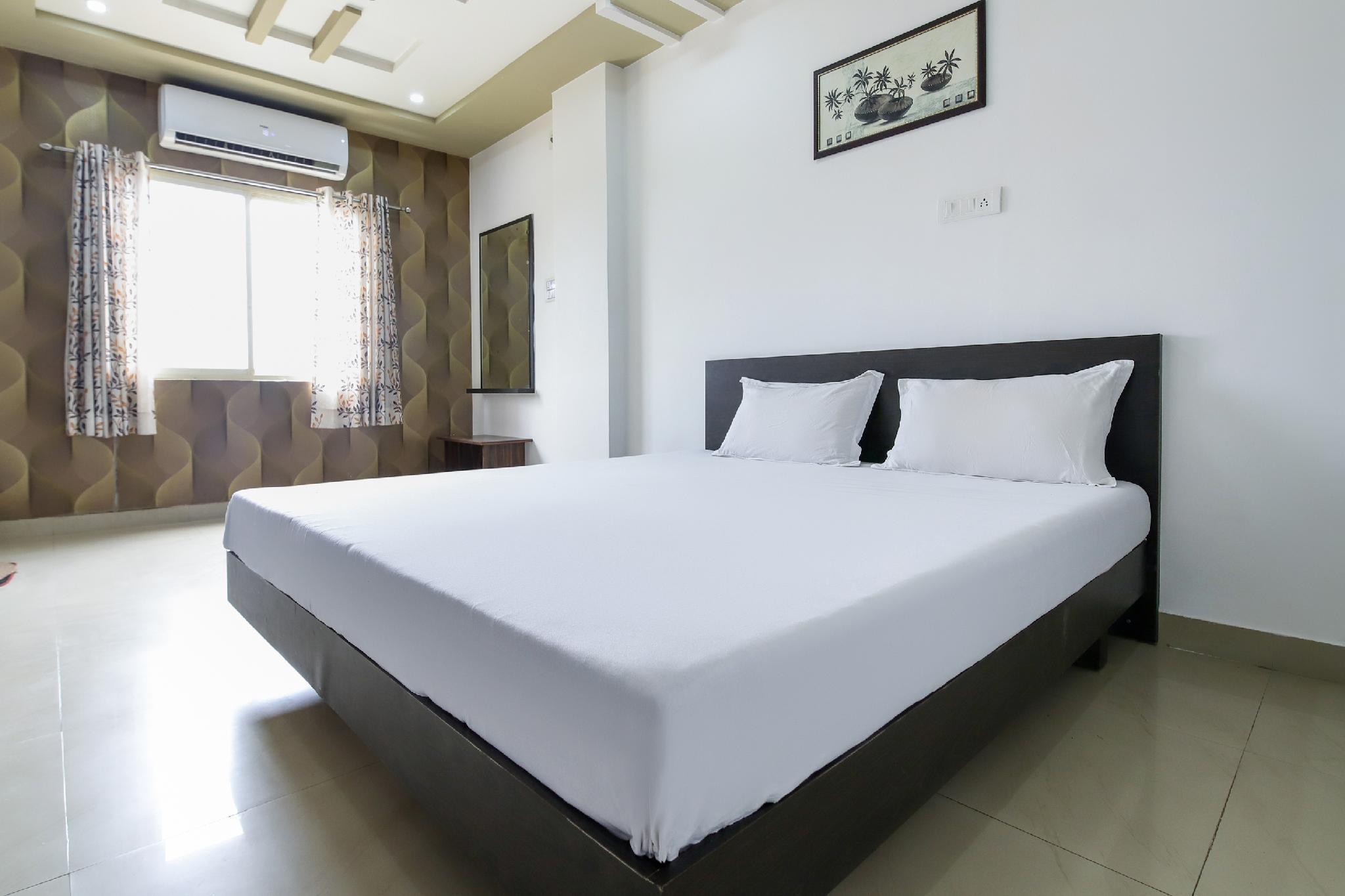 SPOT ON 49271 Hotel Amrit