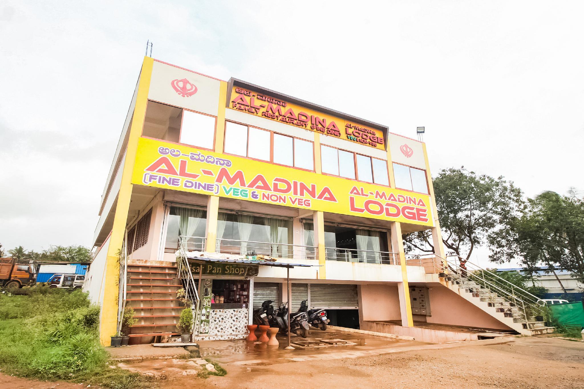 SPOT ON 60724 Al Madina Fine Dine And Lodge