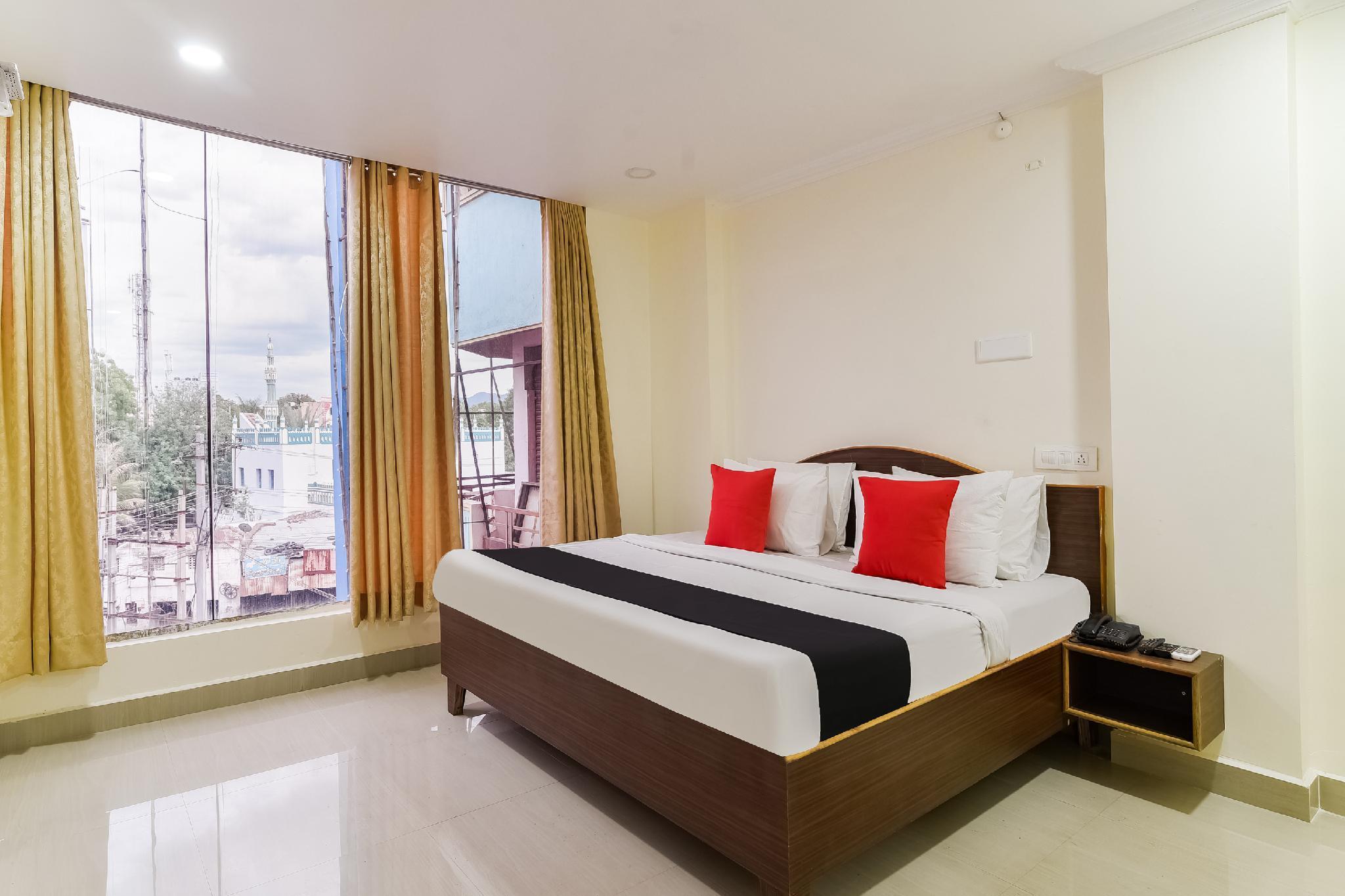 Capital O 49041 Hotel Shri Balaji Residency