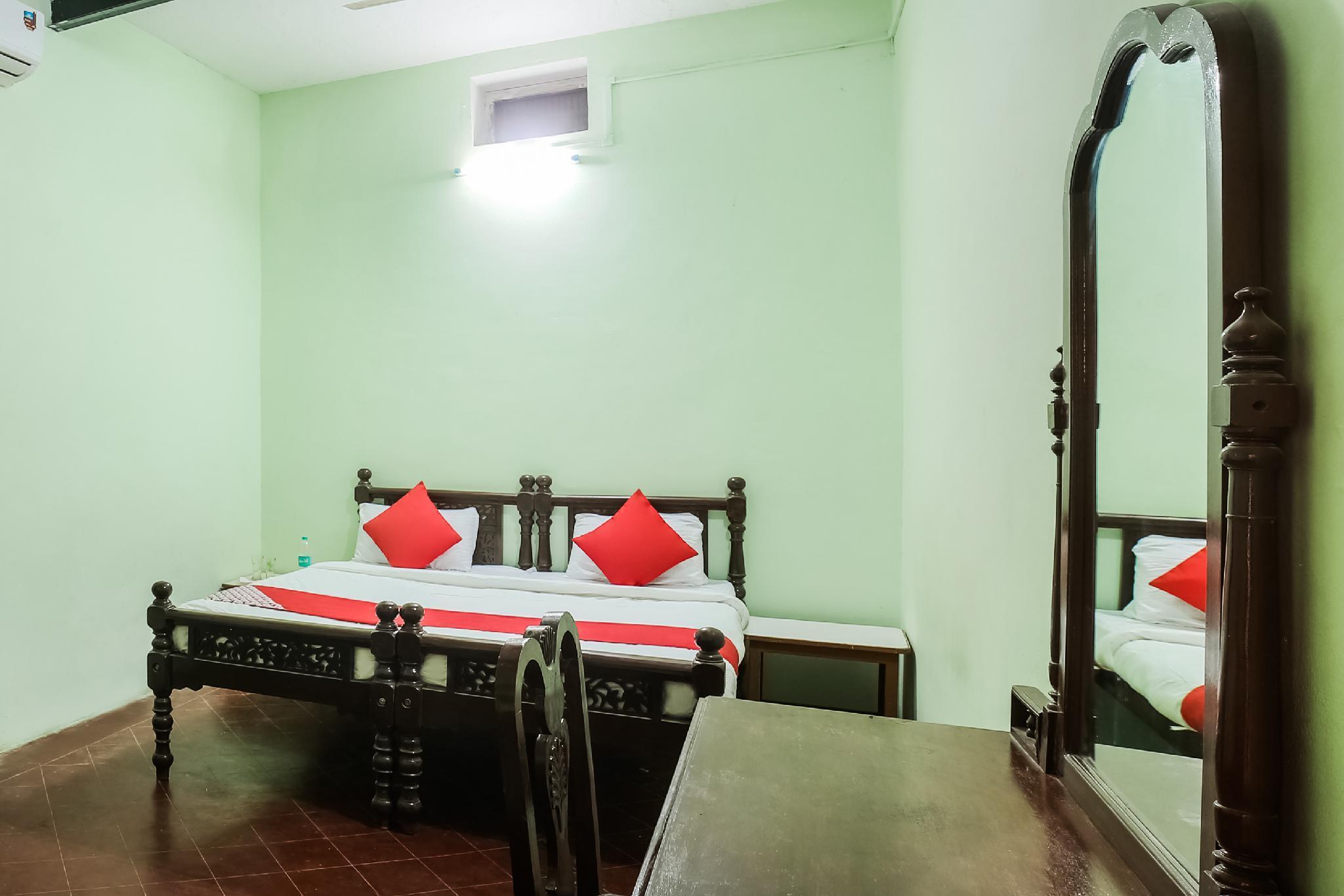 OYO 43502 Hotel Shyam Baba