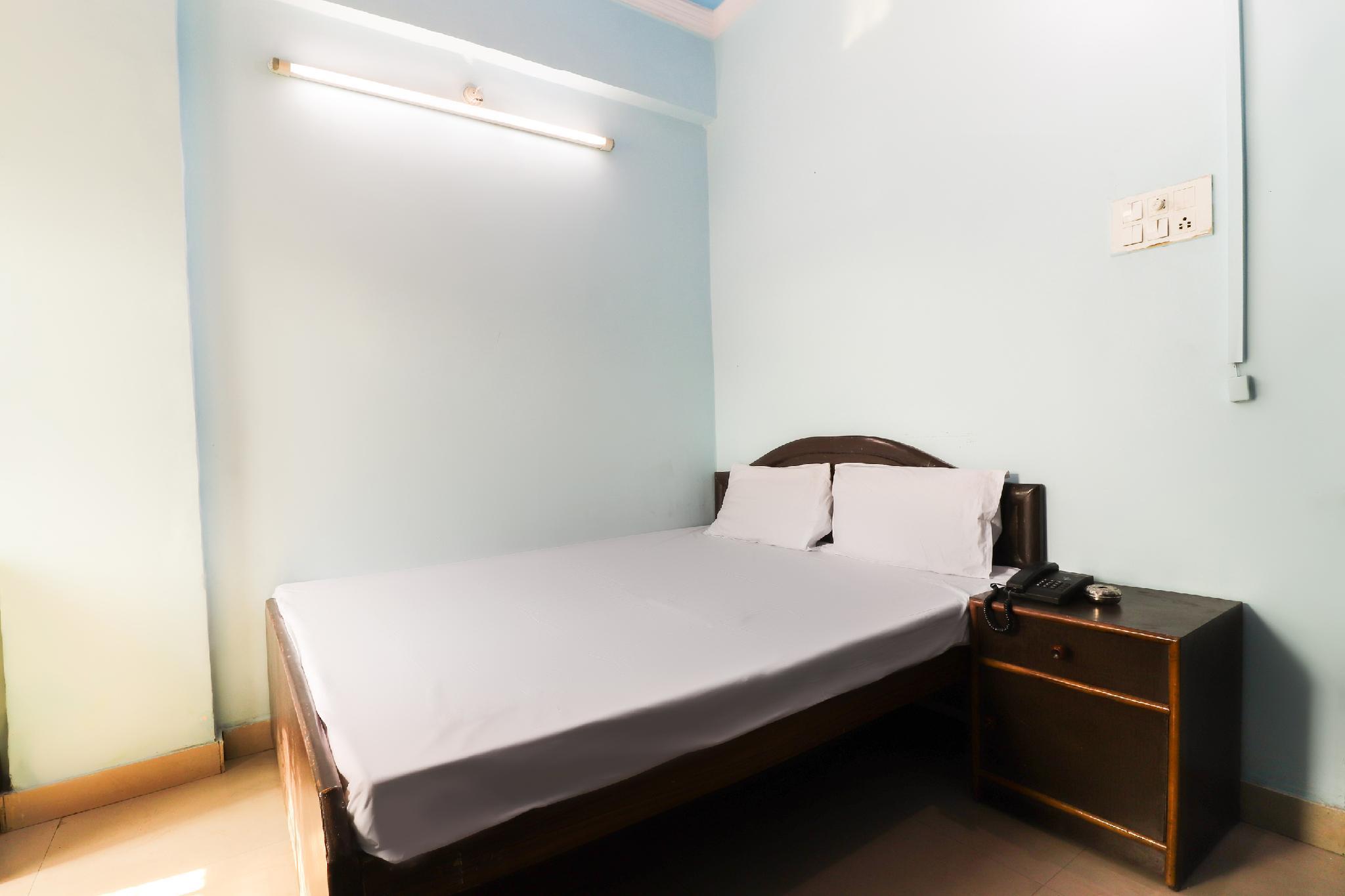 SPOT ON 46219 Satkar Guest House