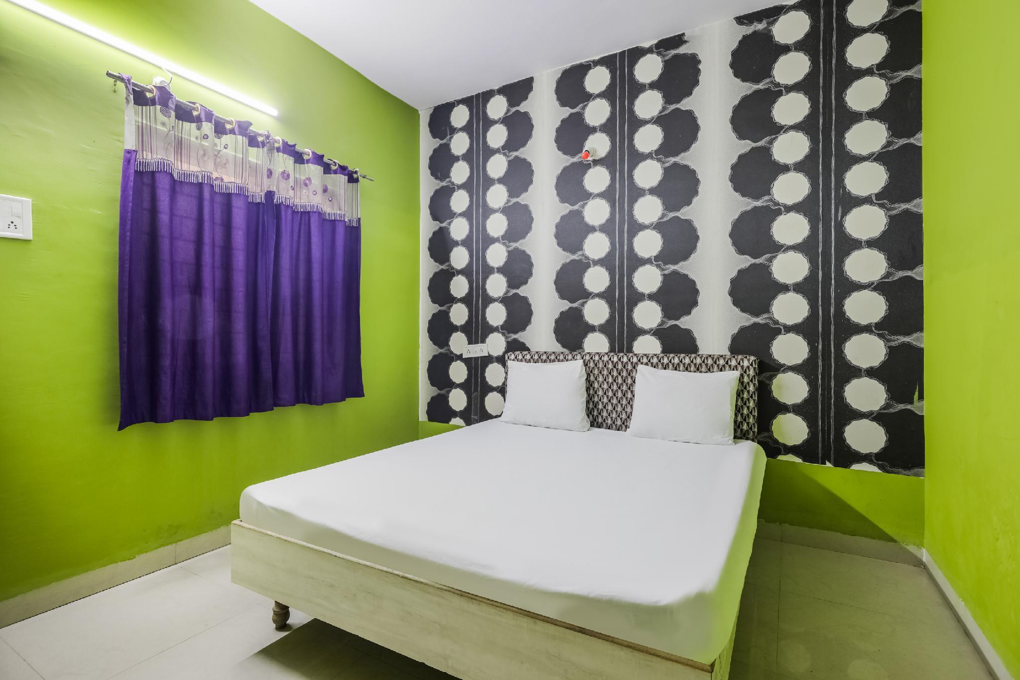 SPOT ON 48534 Hotel Sawariya Sarkar