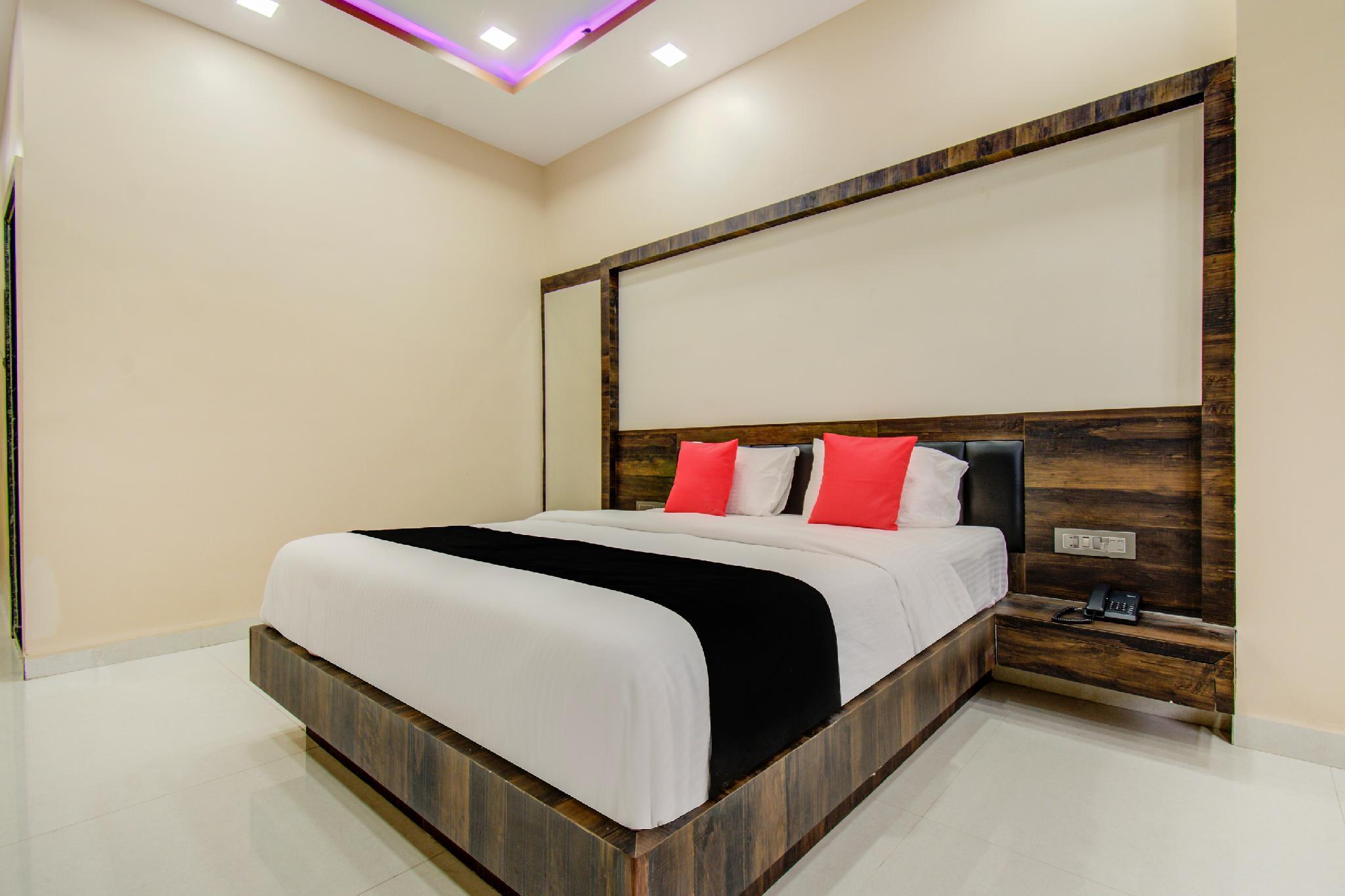 Capital O 46840 Gajanan Heritage And Resort