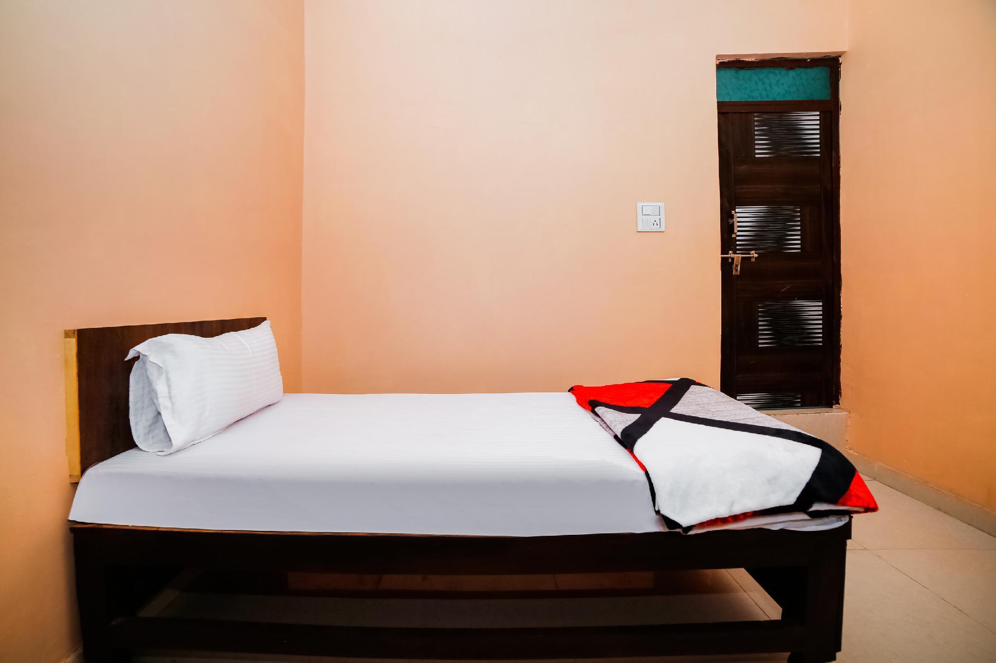 SPOT ON 46331 Hotel Kusha's