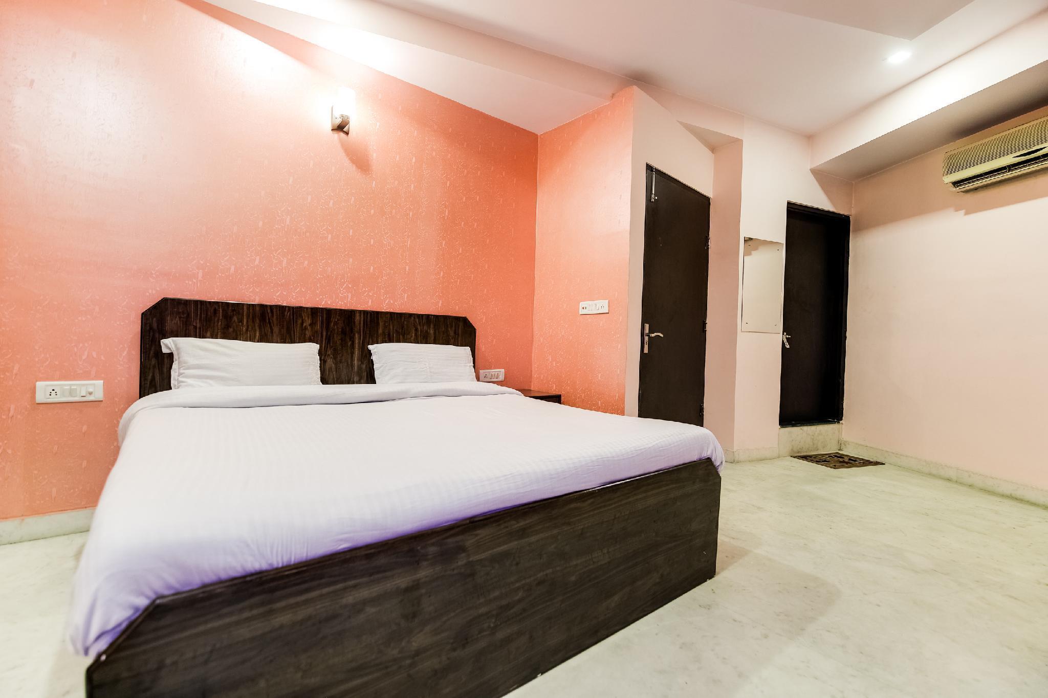 OYO 47897 Nihar Hotel