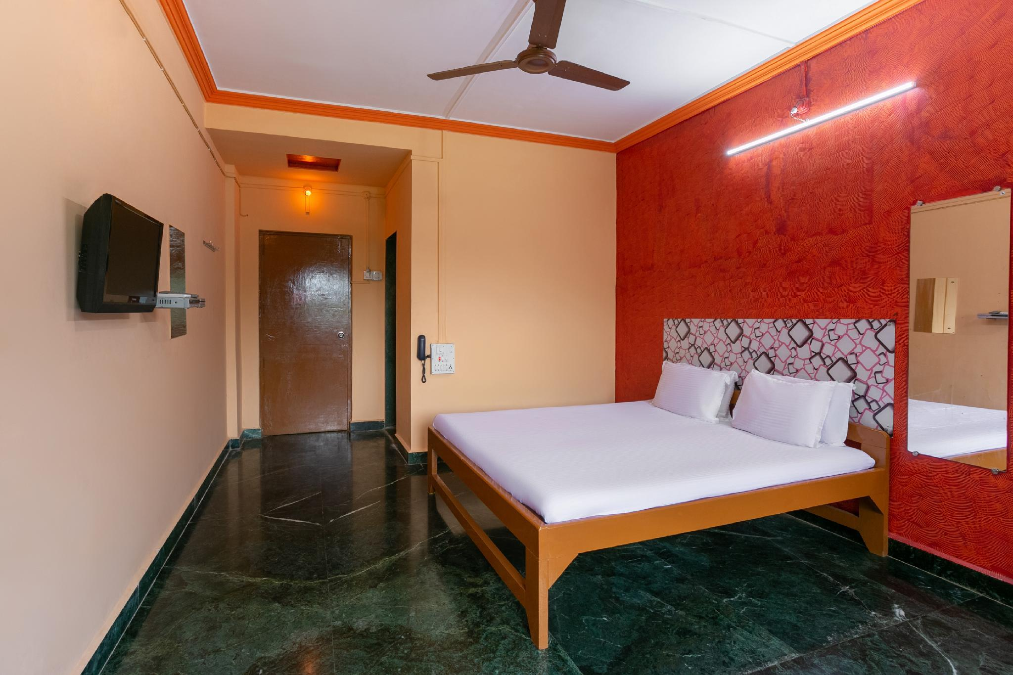 SPOT ON 45091 Alexson Hotel
