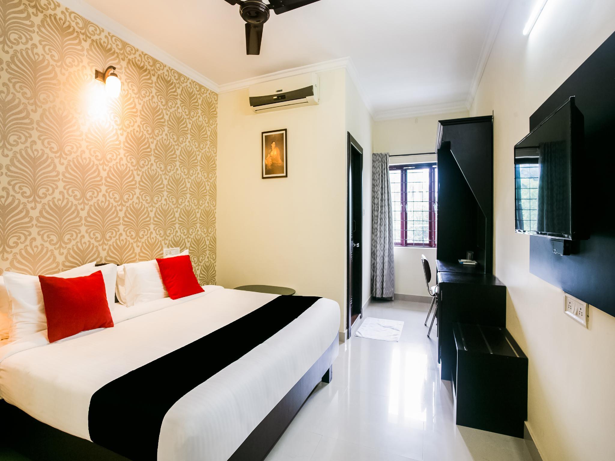 Capital O 47329 Pooram Residency