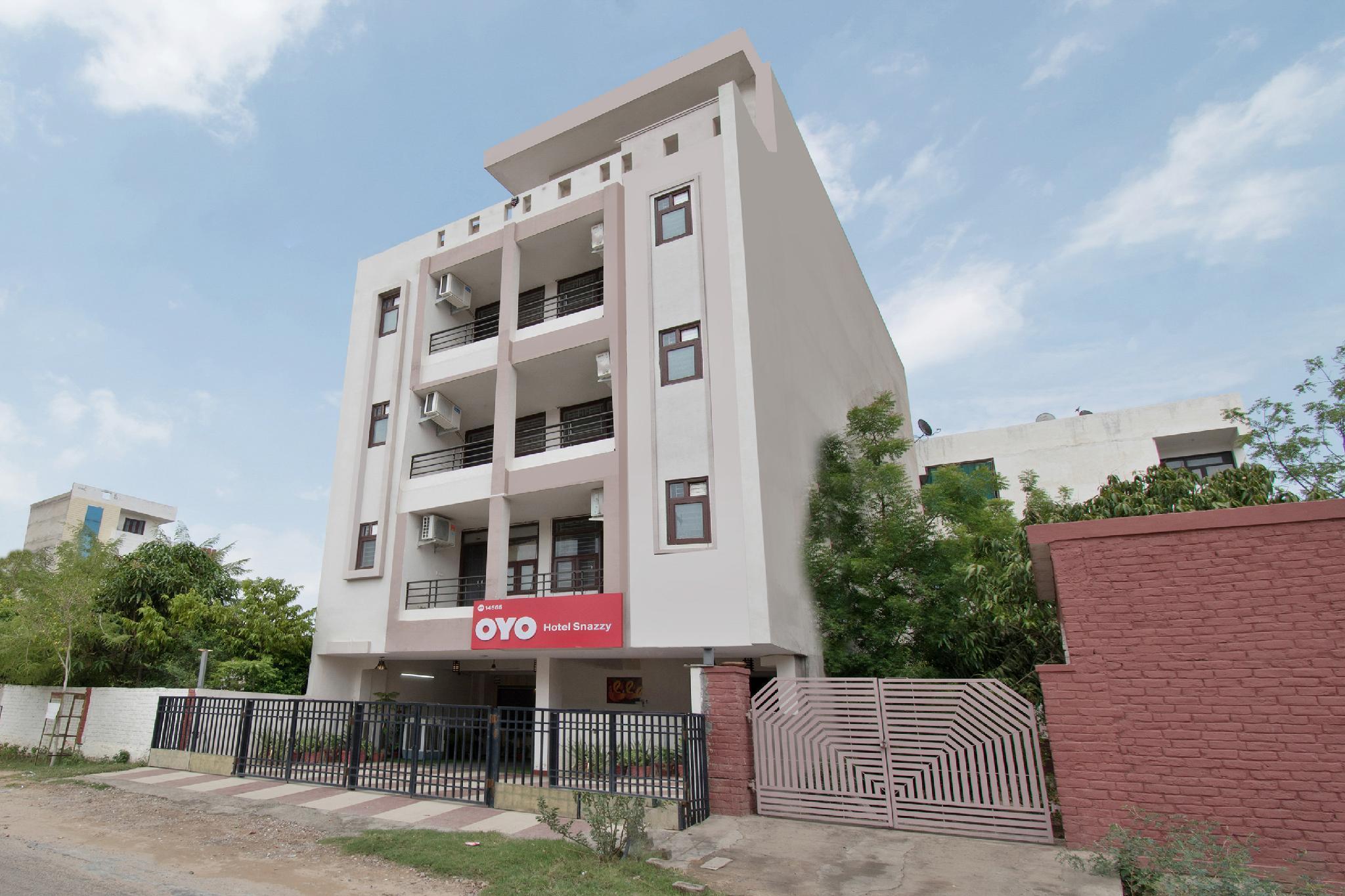 SPOT ON 44147 Hotel Snazzy Patarkar Colony