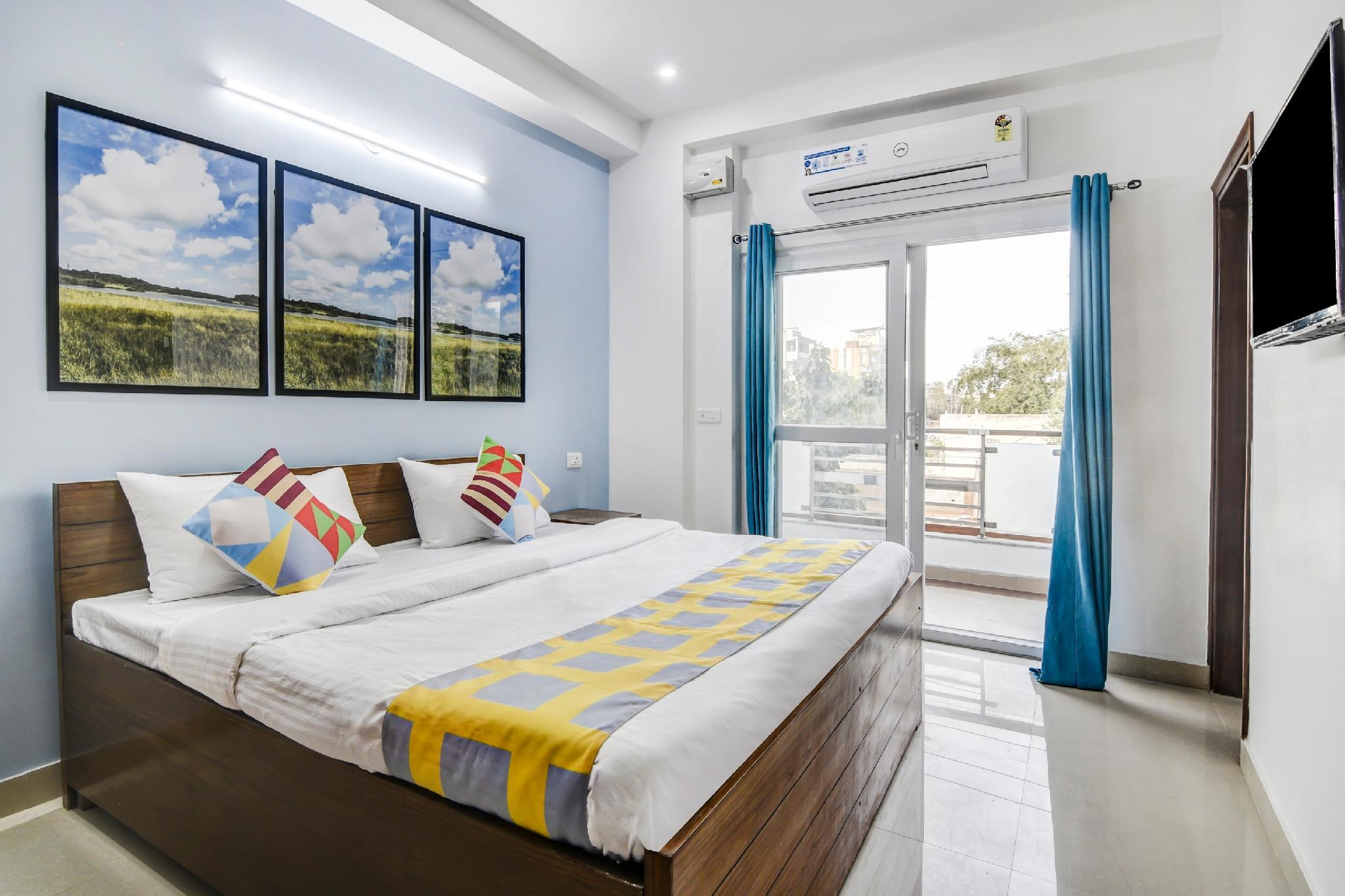 OYO 36580 Well furnished Hideout In DLF Phase 4