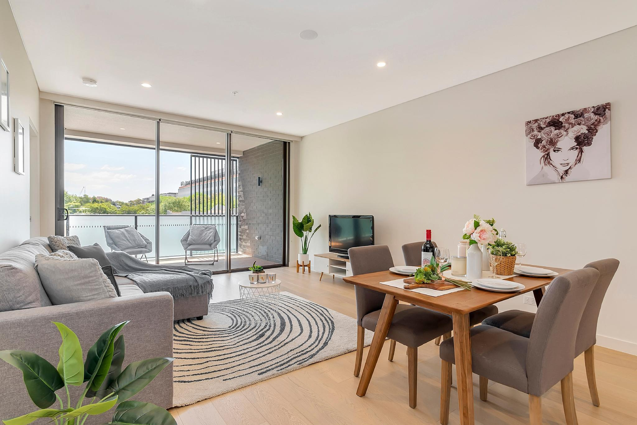 Modern 2BR Apartment 150m To ICC Darling Harbour