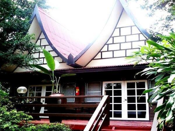 Lunarhut Resort Hua Hin