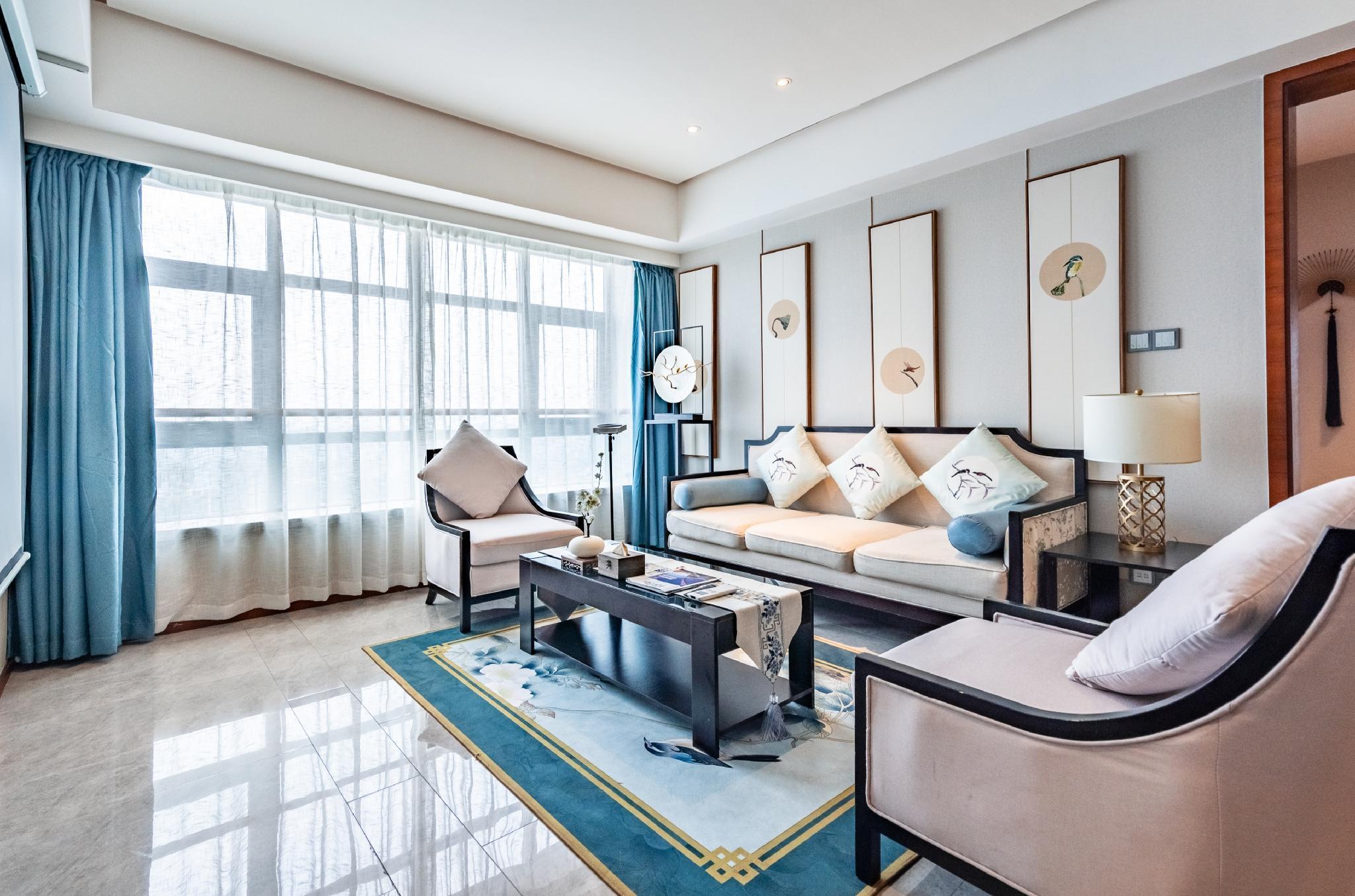 Taikoo Li Double Bedroom Deluxe Suite
