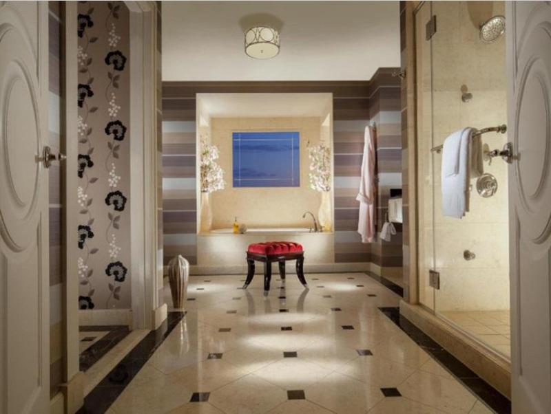 Book Now The Palazzo Resort Hotel Casino (Las Vegas, United States). Rooms Available for all budgets. This 5-star eco-friendly Las Vegas hotel is on the Vegas Strip. The luxury hotel features a full-service spa and health club pool deck overlooking the Strip and a state-of-the