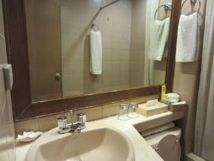 Herald Suites Hotel Manila - Superior - Bathroom