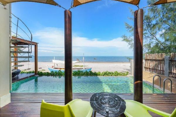 The remarkable beachfront poolvilla 2 Prachuap Khiri Khan