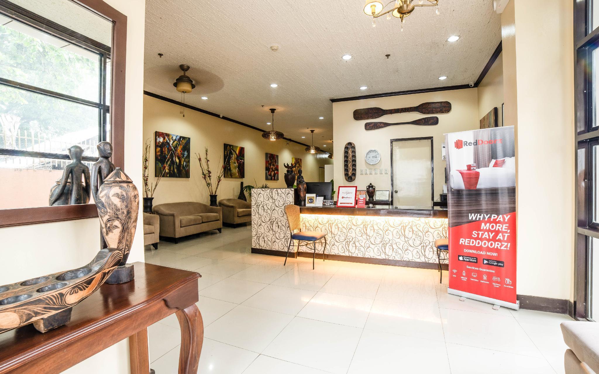 RedDoorz Plus Near Rizal Junction