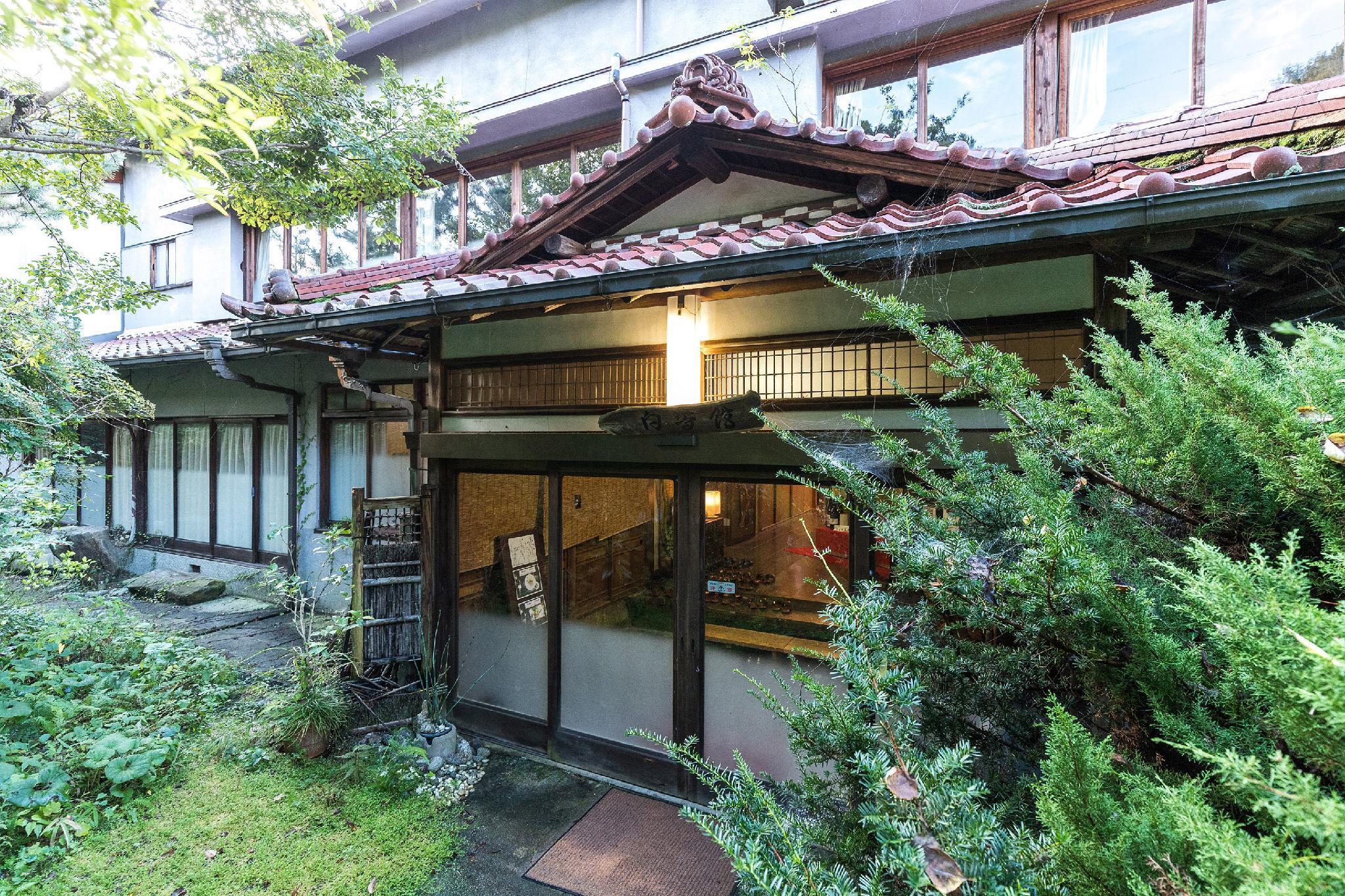 OYO 44622 Shirasagikan