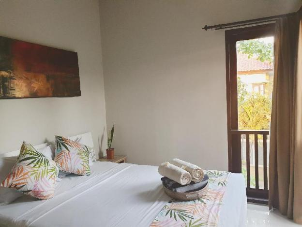 SPECIAL OFFER! Exquisite tropical villa Seminyak