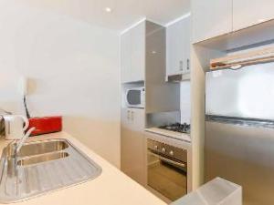 Spacious Seaviews Apartments