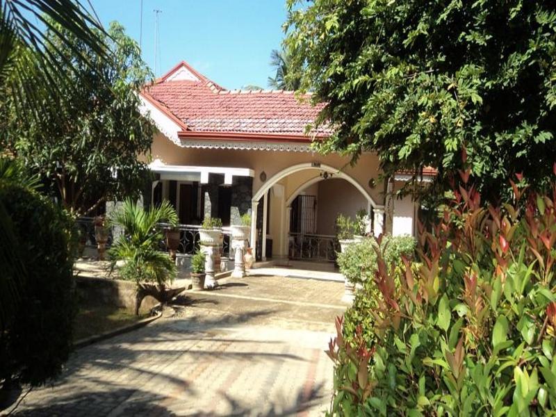 Negombo Holiday Village