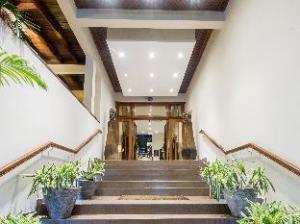 칼립소 호텔  (Calypso Hotel)