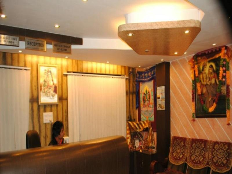 Hotel Shanti Palace Reviews