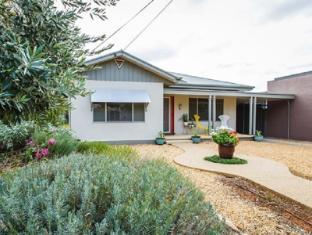 Indulge Home – 77 Olive
