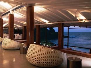 Vivanta by Taj Fort Aguada North Goa - SFX Bar & Lounge