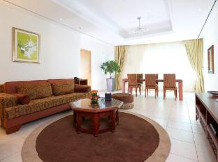 Tamani Marina Hotel and Hotel Apartments Dubai - Living Room