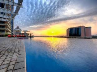 Tamani Marina Hotel and Hotel Apartments Dubai - Swimming Pool