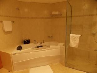 Tamani Marina Hotel and Hotel Apartments Dubai - Bathroom