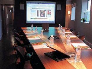 Quality Only Suites CDG Airport Parigi - Sala conferenze