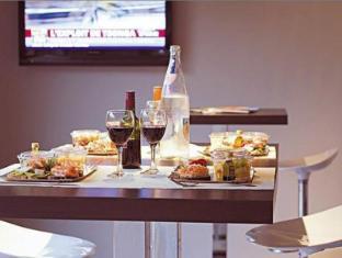 Quality Only Suites CDG Airport Parigi - Ristorante