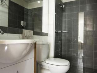 City Garden Hotel Мельбурн - Ванна кімната