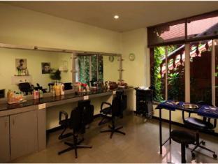 Pride Sun Village Resort and Spa North Goa - Beauty Salon